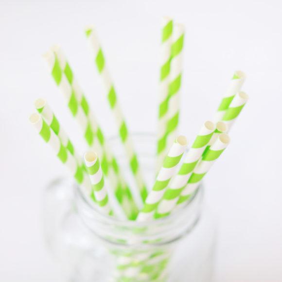 papírová brčka zelená